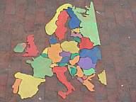 Europa-Puzzle als Laubsägearbeit
