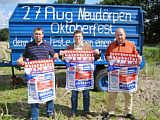 Von links: stell. Vorsitzender H. Wiebeziek, Sponsor Fleischermeister T/T Anton Jansen, Vorsitzender Hans-Hermann Gerdes