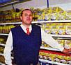 Als Marktleiter ist Johannes Wolters auch weiterhin Ansprechpartner für die Kunden und Mitarbeiter| Fototext und Foto: Ems-Zeitung vom 29.09.2005
