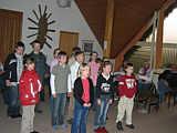 Kommunionkinder bei Pater Tangen
