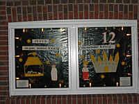 Weihnachtlich geschmücktes Fenster in Wippingen