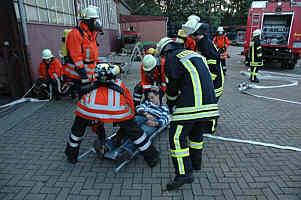 """Burchard wird bei der Feuerwehrübung """"gerettet"""""""