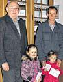 v.l.: Josef Kimmann, Emelie Freerks, Anna Frericks, Bernd Sievers|Foto Wiily Rave, Ems-Zeitung
