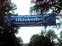 Werbung für Oktoberfest in Neudörpen