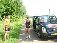 Roparun-Teilnehmer an der Wippinger - Kluser Straße