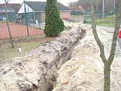 Bau des Gas- und Wasseranschlusses zum Tennishaus