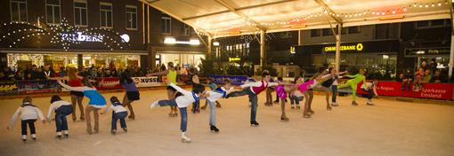 Eislaufbahn auf dem Meppener Weihnachtsmarkt