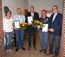 v.li.: 2. St. Bürgermeisterin Barbara Klapprott, Hermann-Josef Bicker, Heinz-Hermann Düthmann, Otto Gerdes, Bürgermeister Hermann Gerdes