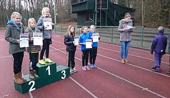 Die Siegerinnen beim Crosslauf in Papenburg