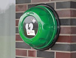 Defibrillator am Sporthaus Wippingen