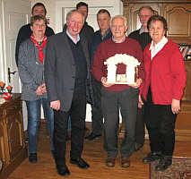 Bernhard Kuper (Wöste) erhält Ehrentunschere des Heimatvereins