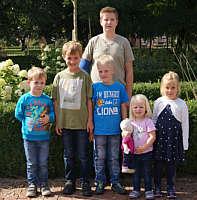 von links: Michael und Julian Wolters, Joshua und Mayra Düttmann, Mira Baalmann, hinten: Marco Sievers