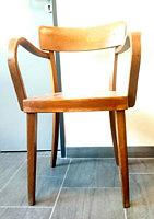 Stuhl aus der alten Mehrzweckhalle