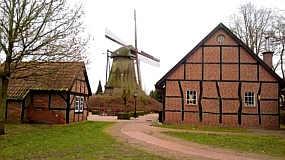 Heimathaus und Mühle