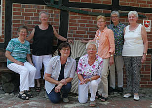 v. l.: Maria Tangen, geb. Meyer; Thekla Hasselkuß, geb. Kuper; Agnes Meyer, geb. Deters; Thea Knoll, geb. Gerdes; Annemarie Stein, geb. Sprenkel; Maria Bicker;  Irmgard Sievers, geb. Hempen