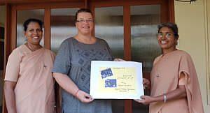 Karola Wester übergibt in Indien Spendengeld 2018