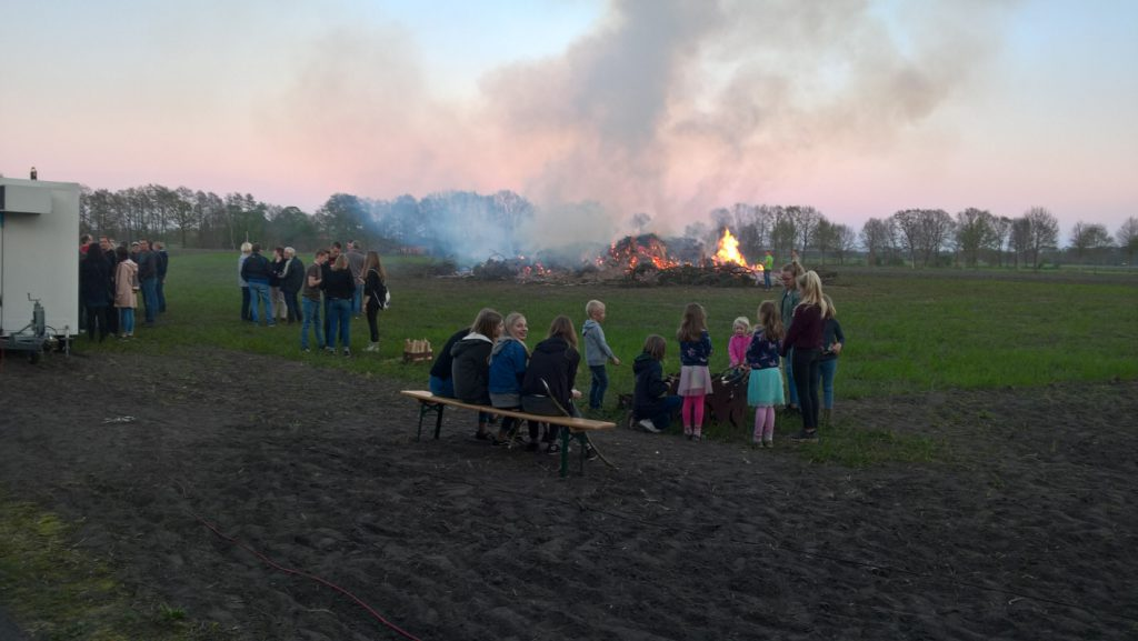 Osterfeuer auf Haskamps Feld 2019