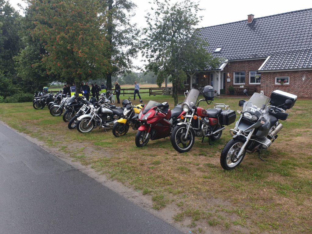 Motorräder der 2. Wippinger Motorradtour
