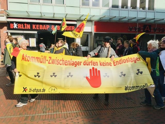 Atom und Kohle die rote Karte zeigen - Demo in Lingen am 26.10.2019