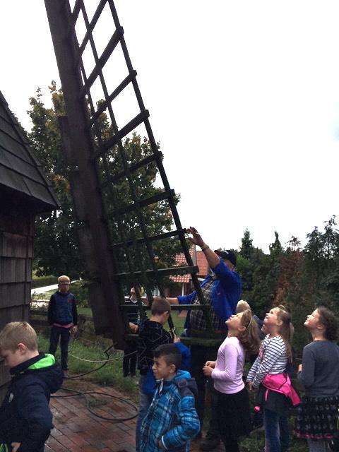 Grundschule in der Durchfahrtsmuhle Wippingen 2019