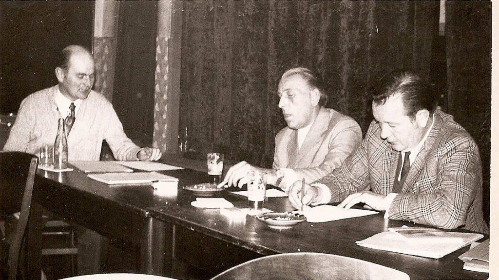 Johann Westhoff, Hans Assmann und Heinrich Deters auf einer Vorstandssitzung des SV Wippingen