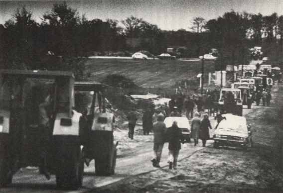 Treckerdemo auf dem Bohrplatz beim Uhlenberg am 29.11.1976