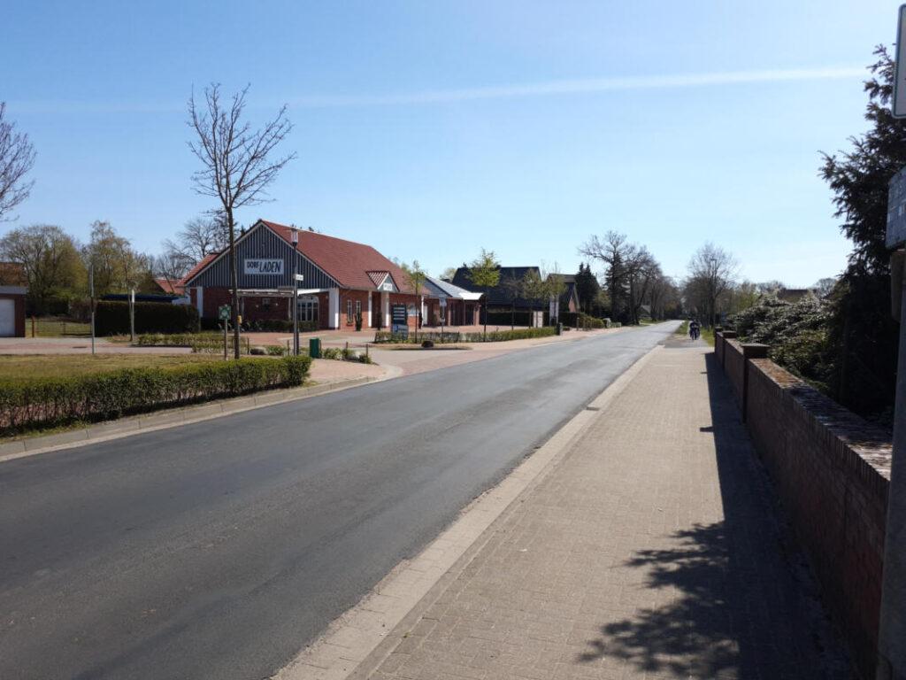 K114 beim Dorfladen